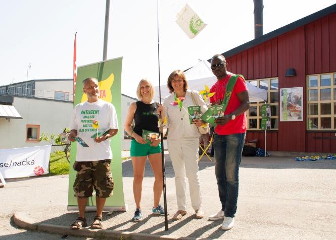 Sidney Holm, Åsa Marnell, Isabella Lövin och Pascal Mafall Fall på Orminge Karneval.