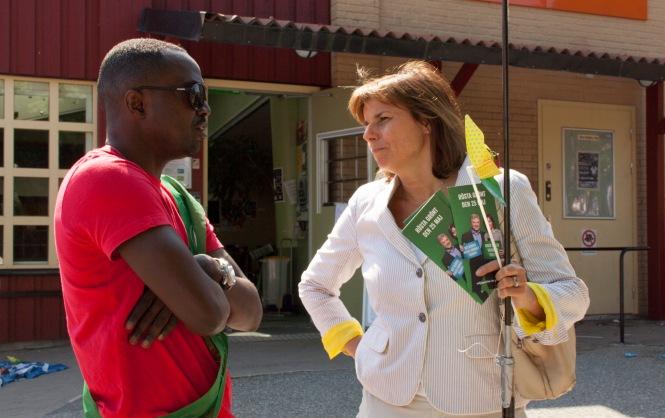 Isabella Lövin och Miljöpartiet de gröna i Nackas EU-kandidat Pascal Mafall Fall på Orminge Karneval.